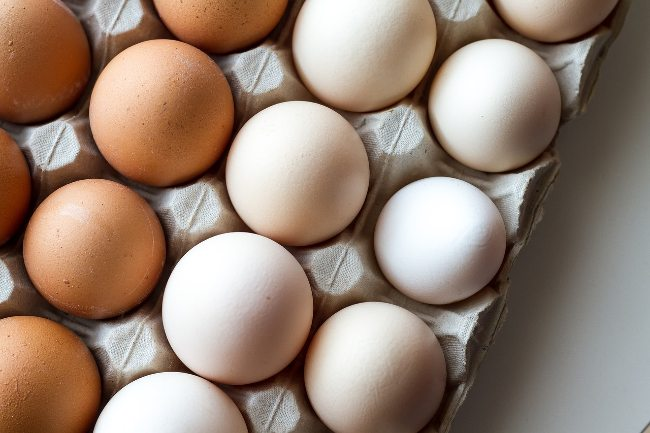 Brown vs White Eggs - Difference Between Brown And White Eggs