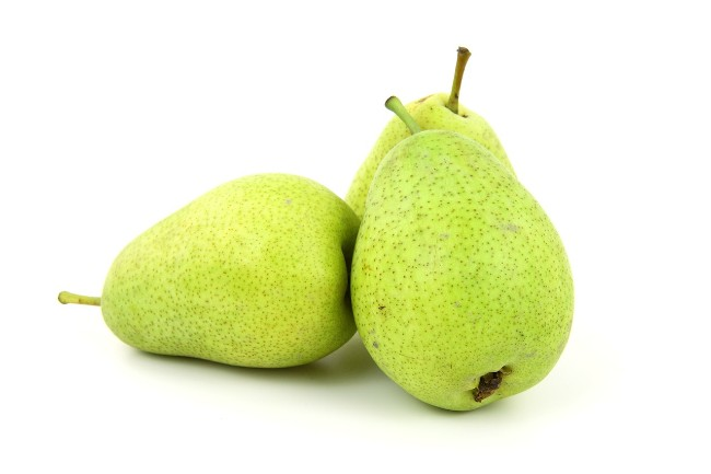 can chickens eat pears